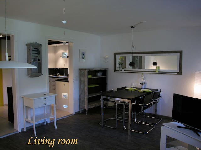 Joline, privat guest apartment just feel at home - Jens - Appartamento