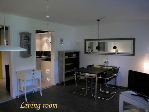 """Joline, privat guest apartment """"just feel at home"""""""