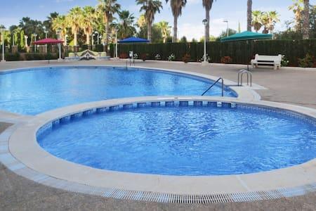 Komfortables Apartment mit Pool - Oropesa del Mar