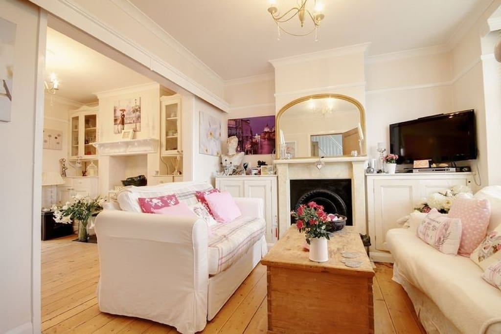 Relax, read a book, watch tv in the sitting room