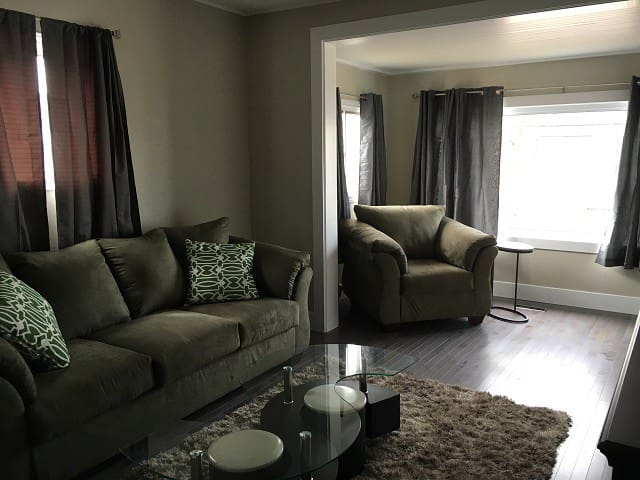 (23-main) Executive furnished one bedroom unit