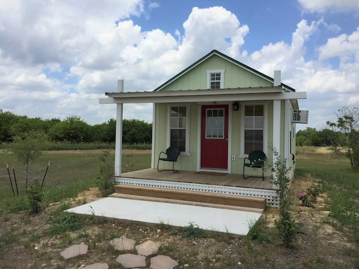 Honey Cott/ Riv Oaks Farm, Round Top, Texas, 78954