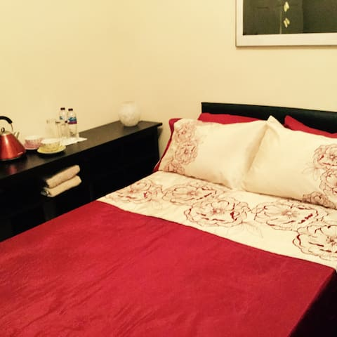 Fabulous warm double room,central location&b/fast