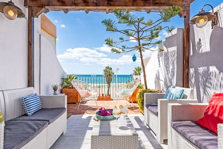 Charming beach-front house..amazing - 馬拉加