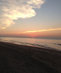 Peaceful Get Away one block from Lake Michigan - Ogden Dunes - Casa