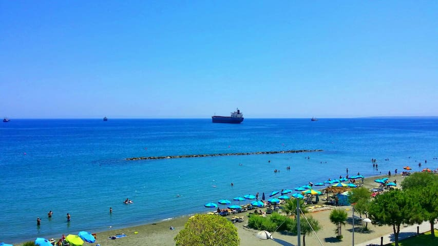 Downtown apartment near the beach. - Limassol - Apartment