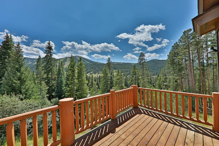 Winter Park Mountain Views with Relaxing Hot Tub