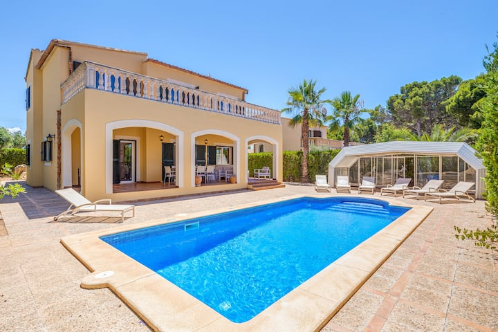 "Stunning Holiday Home""Villa Paula"" with Terrace, Garden, Pool & Wi-Fi; Parking Available"