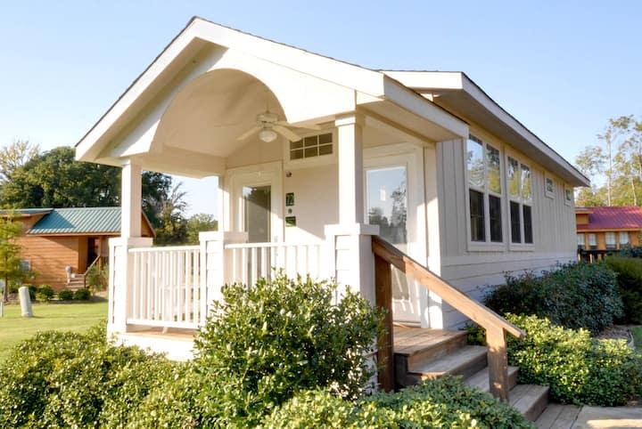 Crystal Palace Cottage at Mill Creek Ranch Resort