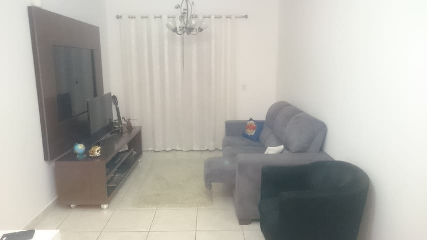 Excellent Opportunity! Best room in town! - Taubaté - Apartemen