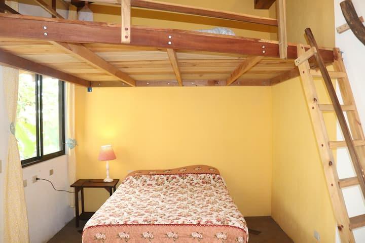Casa India - flor - Private room on a family farm