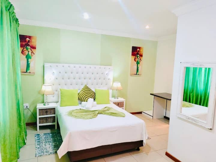 Spacious, Relaxed & Stylish Single Beds for 3
