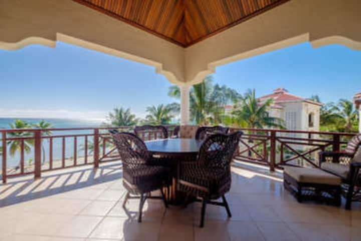 205 - 2 Bedroom 2 Bathroom Beachfront Condo