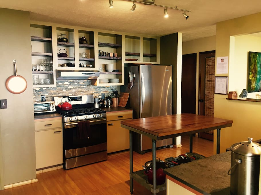 Fully remodeled kitchen with new appliances
