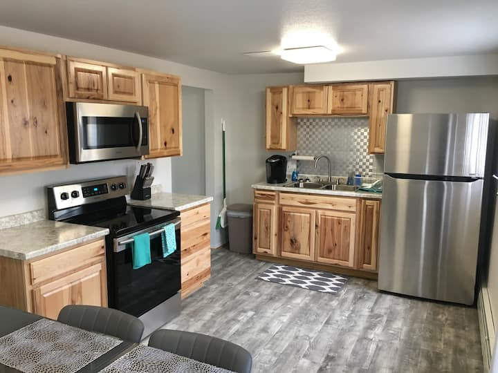 The Downtowner - Middle Apartment