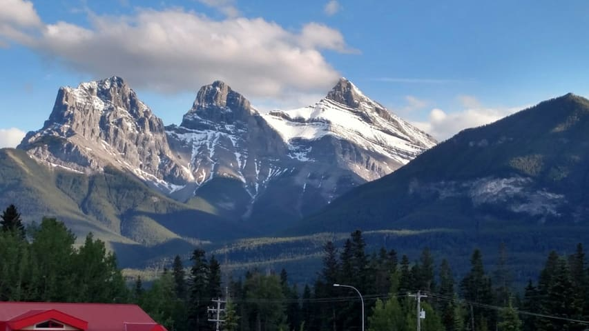 2 bedroom condo with amazing views! - Canmore - Condominium