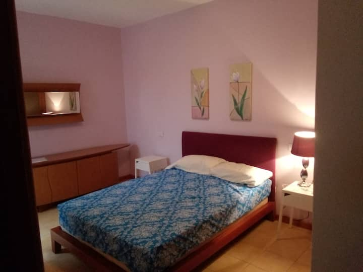 A relaxed flat stay only 2 mins from the beach