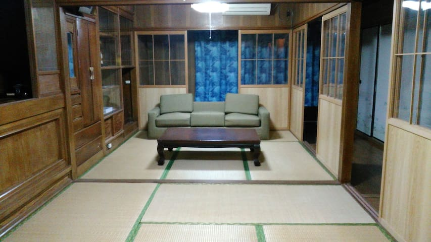 Living in a relaxing place at Okinawa's house