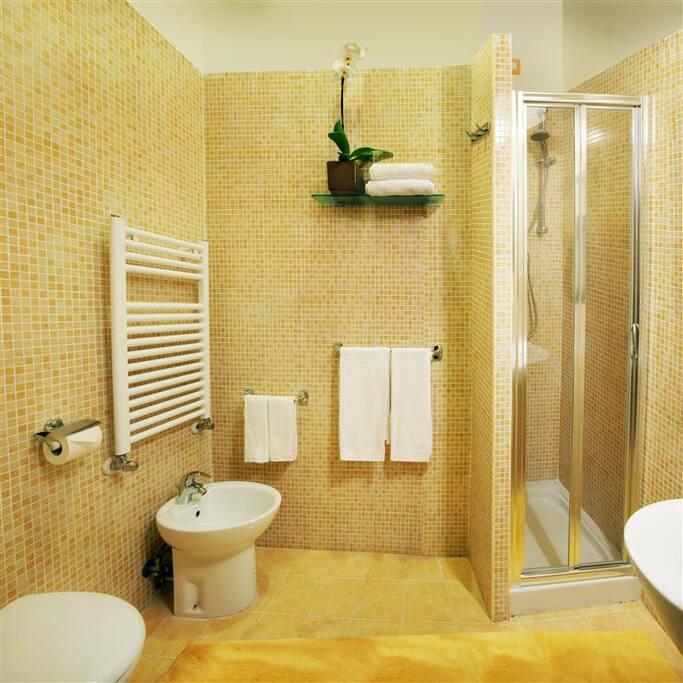 """Bagno interno privato camera """"Ambra"""""""