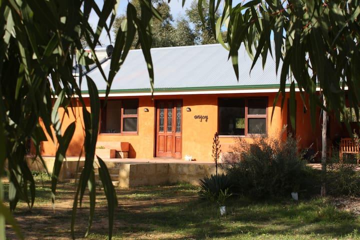 Baldivis Strawbale Cottage