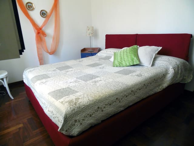 Gigi & Bianca Home Ischia Room
