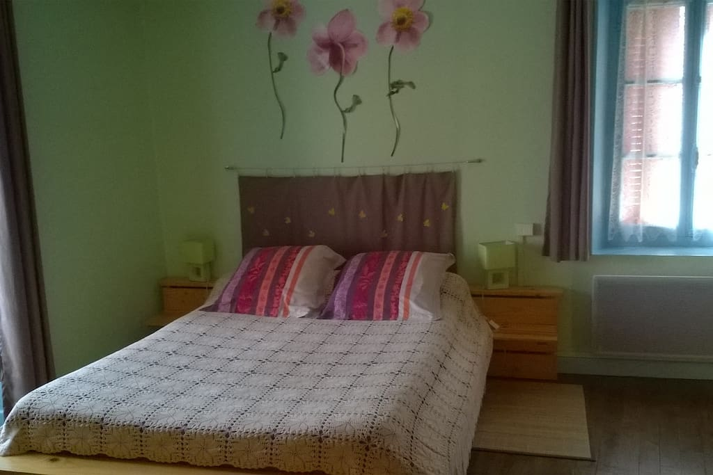 la fermette chambre et table d 39 h te la campagne chambres d 39 h tes louer chanteuges. Black Bedroom Furniture Sets. Home Design Ideas