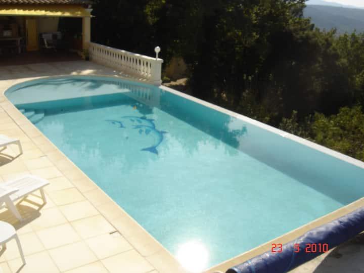 villa  140 m2  tout  confort  vue  et  calme
