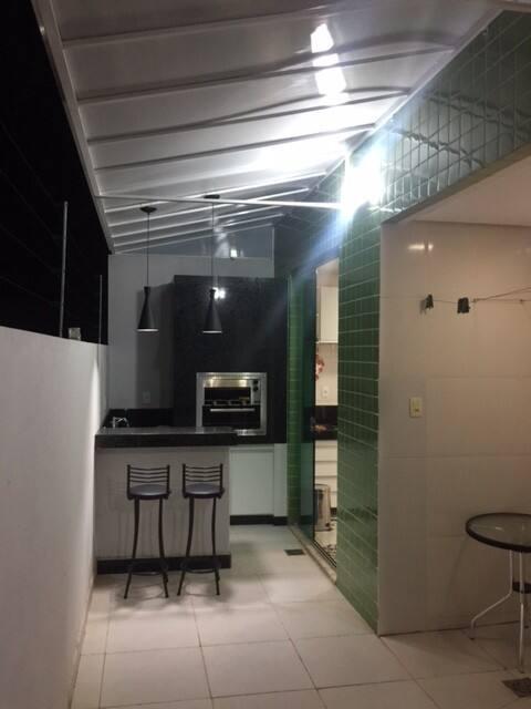 Apartamento próximo Unimontes, com Varanda Gourmet