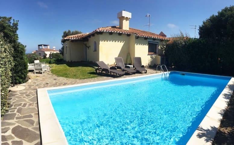 Villa with gardena and private pool - Ground floor