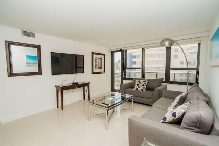 3 Bdroom with kitchen, balcony & Yacuzzi 0509