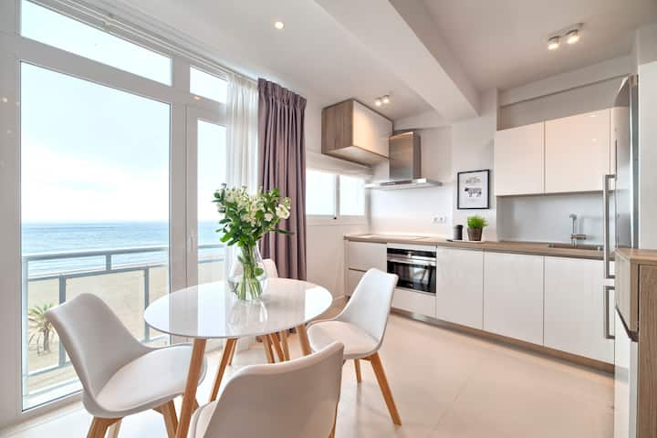 First Line Beach Apartment in Estepona Town Centre