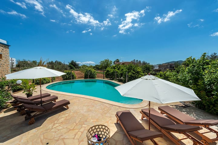 CAN BLAI. Country house with pool up to 8 guests.