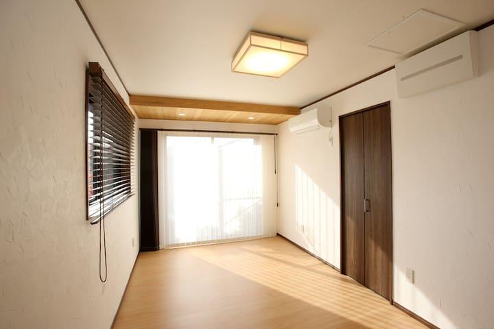 副寝室 Secondary Bedroom
