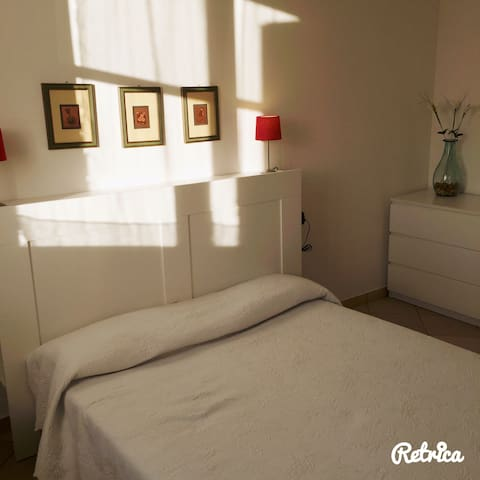 Child friendly two Bed room flat - Biandronno - Apartamento
