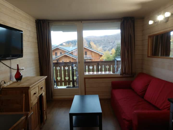 Appartement 25m2, chambre séparée, pied des pistes