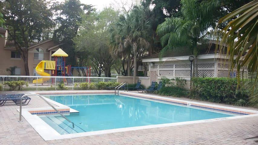Serenity Condo 2/2 w/pool - Miami - Condomínio