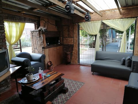 3 rooms, 6 guests @Tolbos Crescent