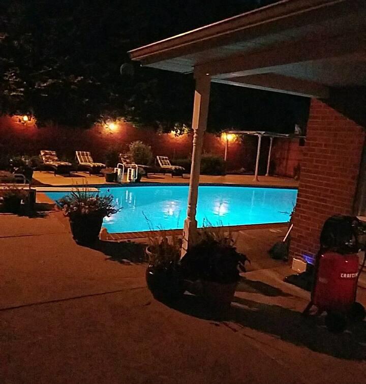 Quiet, Spacious 2 Bedroom w/ Private Inground Pool