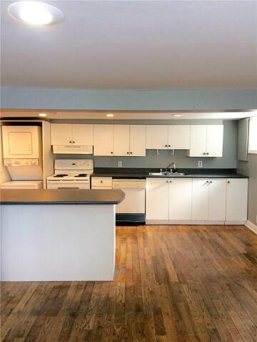 Trendy 2 Bedroom Minutes to Downtown - Ottawa - Wohnung