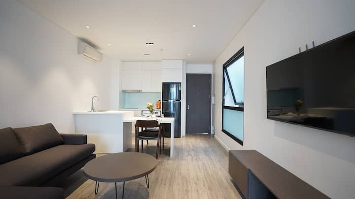 Wonderful & Lake view apartment in heart of Tay Ho