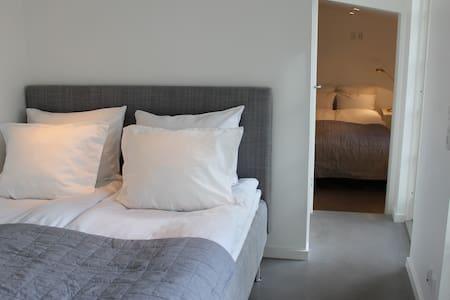 Modern guest house in Humlebæk - Humlebæk