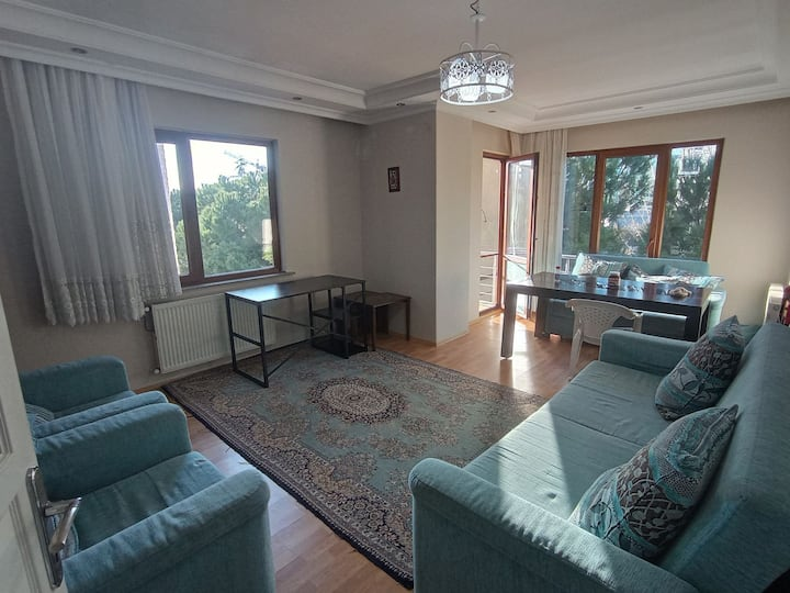 Private room for single couple or family in Kartal