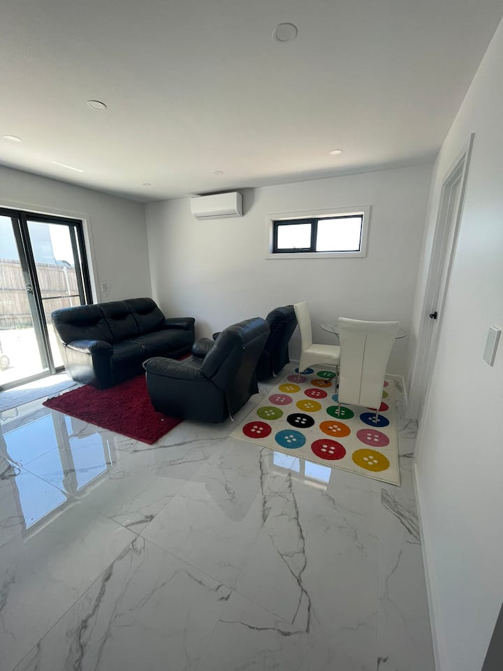 Luxury Guest Unit Canberra - Quality Living