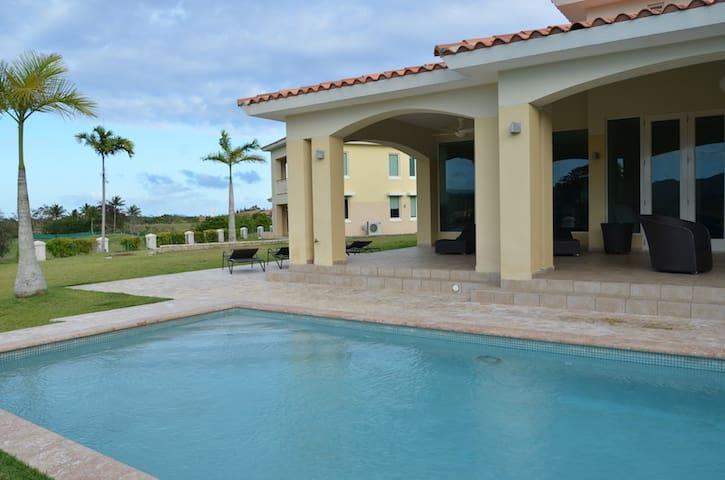 Luxury 4 Bedroom Villa at Los Lagos - Palmas del Mar - Talo