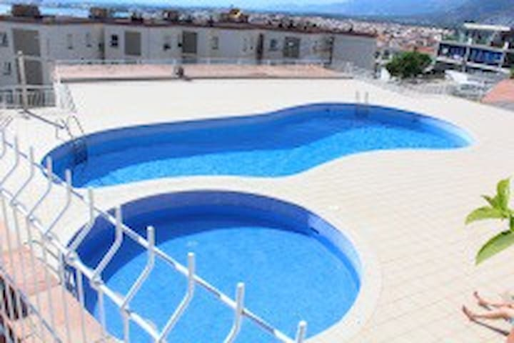ROSAS  Appart   vue Mer Piscine Parking