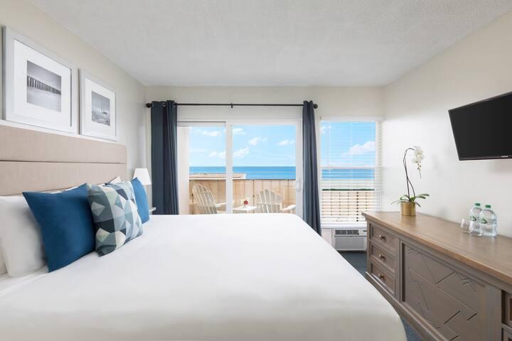 Large 786 Sq Ft Oceanview Suite Balcony | Kitchen