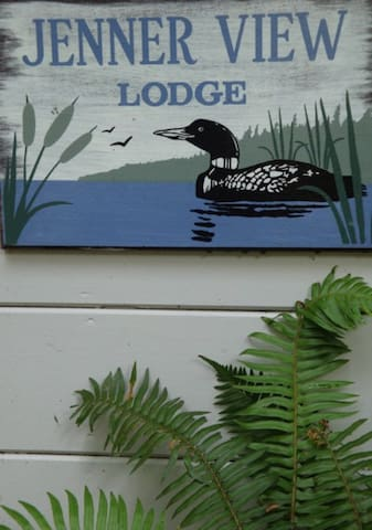 "Hyperbole.. a one bedroom ""lodge"""