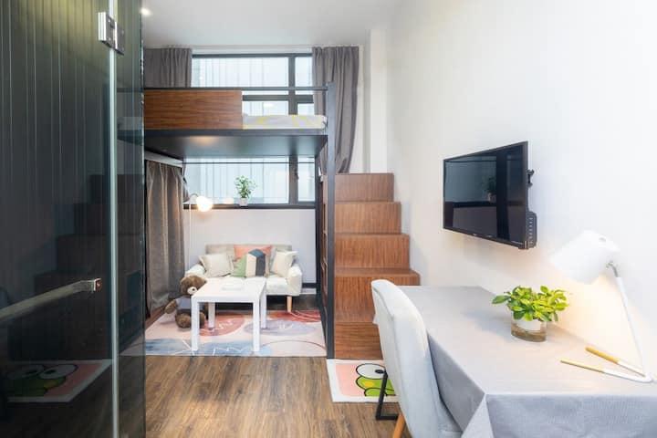 【长短租】实习/工作/市中心地铁口/公寓房/可做饭。