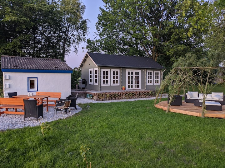 Adorable tiny house close to Düsseldorf/Messe