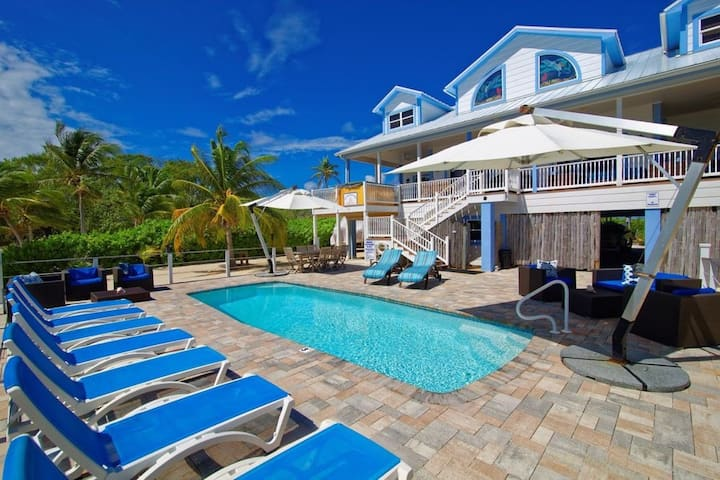Sir Turtle Beach Villas - 2 Available EA 4 bed